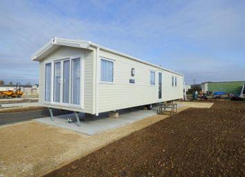 Thumbnail 2 bedroom mobile/park home for sale in Field Barn Holiday Park, Field Barn Lane, Cropthorne, Evesham
