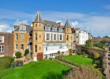 Trefusis Terrace, Exmouth EX8. 3 bed flat