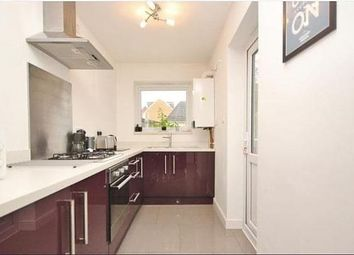2 bed property to rent in Albert Road, Romford RM1