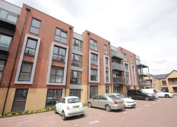 Thumbnail 2 bed flat to rent in Holmesley Road, Borehamwood