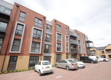 Thumbnail Flat to rent in Holmesley Road, Borehamwood