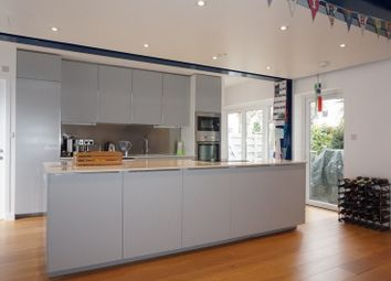 Thumbnail 4 bed town house to rent in Quickswood, London