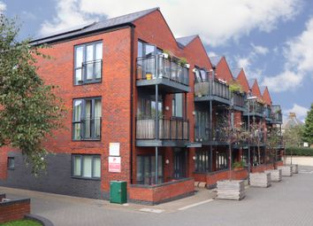 Thumbnail 2 bed flat for sale in Leverton Close, Wood Green, London