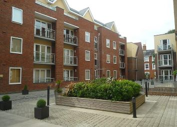 Thumbnail 3 bedroom flat to rent in Shippam Street, Chichester