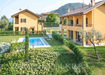 Thumbnail Block of flats for sale in Bellagio, Lago di Como, Ita, Bellagio, Como, Lombardy, Italy