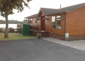 Thumbnail 2 bed mobile/park home for sale in Lakeland Drive, Lakeside Leisure Park (Ref 5502), Vinnetrow Road, Chichester, West Sussex