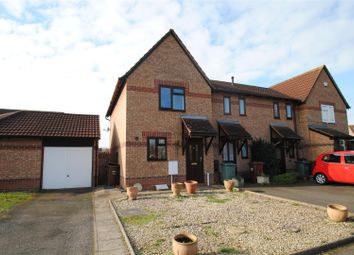 Thumbnail 2 bed detached house to rent in Spruce Drive, Bicester