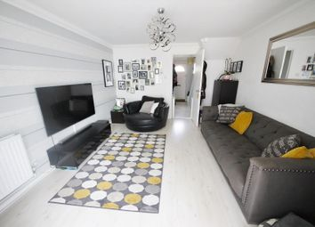 2 bed property to rent in Abenberg Way, Brentwood CM13