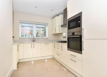 3 bed town house to rent in Kingfisher Drive, Maidenhead, Berkshire SL6
