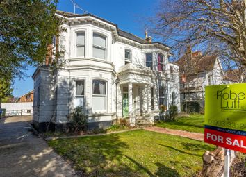Richmond Road, Worthing BN11. 2 bed flat for sale