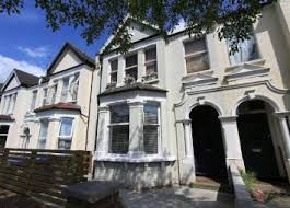 Thumbnail 3 bedroom flat to rent in Chandos Road, Kilburn