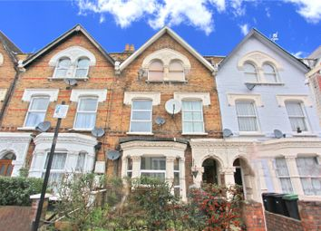 3 bed flat to rent in Hermitage Road, London N4