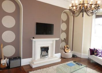 Thumbnail 2 bed flat to rent in Gladstone Place, Aberdeen