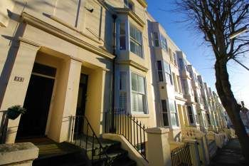 Thumbnail 1 bed flat to rent in York Road, Hove