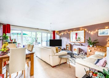 Thumbnail 2 bed flat for sale in Kingsway Gardens, Andover