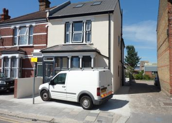 Thumbnail 4 bed town house to rent in Essex Road, Dartford