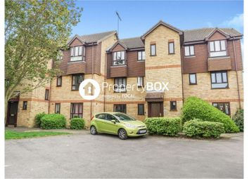 2 bed flat to rent in The Old Orchard, Gillingham ME8