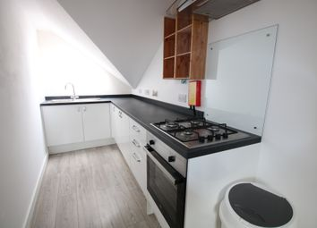 2 bed flat to rent in Thorn Road, Worthing BN11