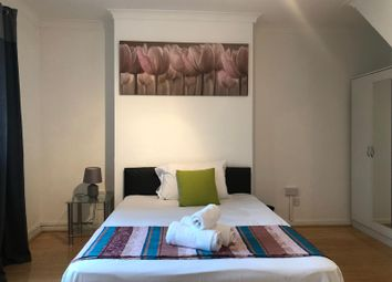 3 bed maisonette to rent in Charles Square, London N1