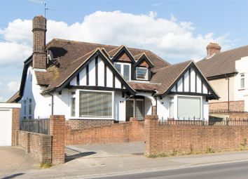 Thumbnail 6 bedroom detached house to rent in Franklynn Road, Haywards Heath