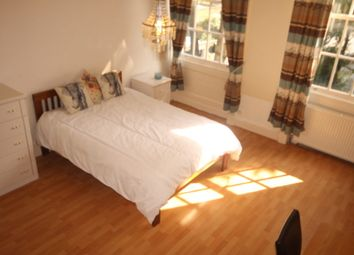 Thumbnail 2 bed flat to rent in Blenheim Square, Leeds