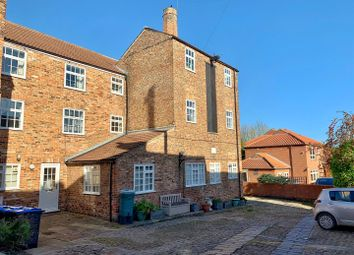 Thumbnail 3 bed flat to rent in Kirkgate, Thirsk