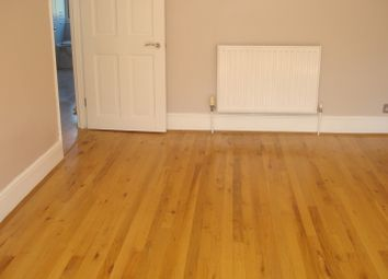 Thumbnail 1 bedroom flat to rent in Kings Head Hill, Chingford, London