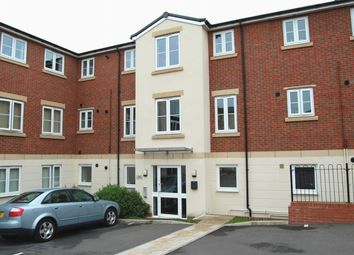 Thumbnail 3 bed flat to rent in Dixon Close, Redditch