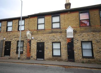 Thumbnail 1 bed flat to rent in King Street, Stanford-Le-Hope, Essex