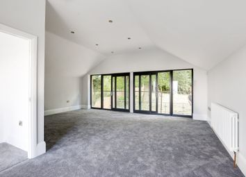 5 bed property for sale in Hillview Road, Rayleigh, Essex SS6