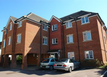 Thumbnail 2 bed flat to rent in Buckingham Street, Aylesbury