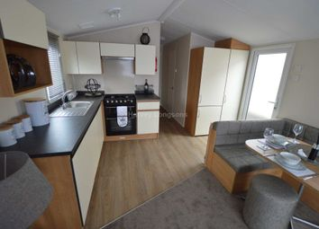 Thumbnail 2 bed mobile/park home for sale in Tarka Holiday Park, Braunton Rd, Ashford, Barnstaple