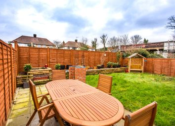 Thumbnail 2 bed flat to rent in Cedar Grove, London