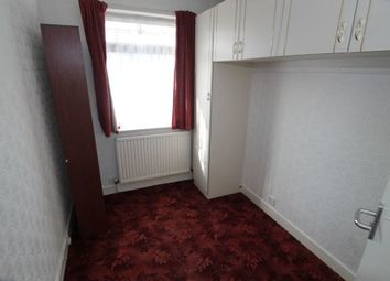 3 bed property to rent in Gainsborough Road, Leicester LE2