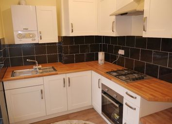 Thumbnail 2 bedroom flat to rent in Oakfield Road, Croydon