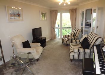 Thumbnail 1 bed flat to rent in Hamlet Court Road, Westcliff On Sea