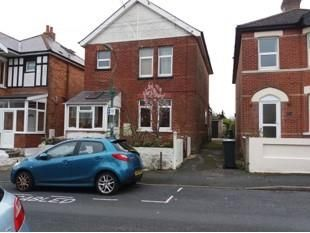 Thumbnail 2 bed flat to rent in Crichel Road, Bournemouth