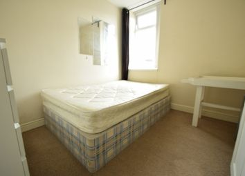 Thumbnail 6 bedroom shared accommodation to rent in Warwick Street, Heaton