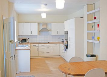 Thumbnail 4 bed flat to rent in Prescott Place, London