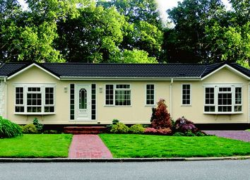 Thumbnail 2 bed mobile/park home for sale in Woodland Rise, Grange Estate, Church Crookham, Fleet