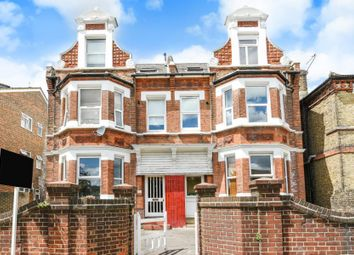 Thumbnail 1 bedroom flat for sale in Newlands Park, London