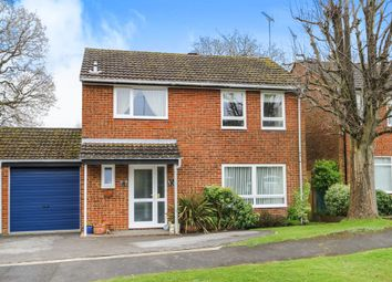 Thumbnail 3 bed detached house for sale in Wheatsheaf Close, Horsham