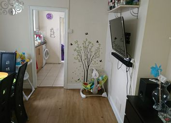 Thumbnail 2 bed flat to rent in Beresford Road, Walthamstow