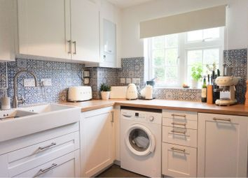 Thumbnail 2 bed flat for sale in Sunray Avenue, Herne Hill