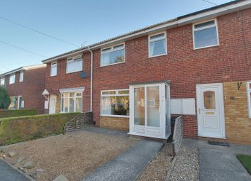 Thumbnail 4 bed property to rent in Grove Park, Beverley