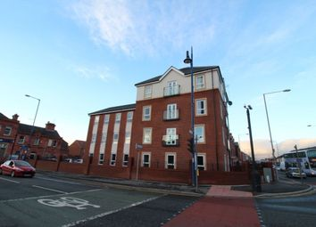 2 bed flat to rent in Dean Court Dean Lane, Manchester M40
