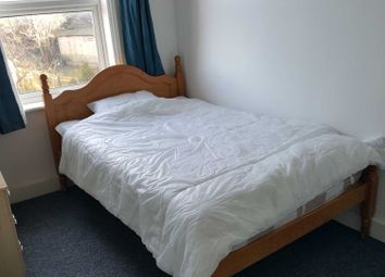 Thumbnail Room to rent in Russell Street Room, Reading