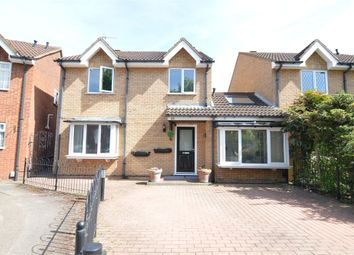 Thumbnail 4 bed detached house for sale in Felton Close, Broxbourne, Hertfordshire