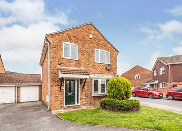 Thumbnail 3 bed detached house for sale in The Moors, Thatcham