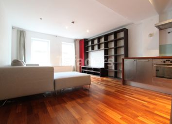 Thumbnail 1 bed flat to rent in Hatton Wall, Farringdon